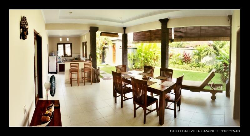 Open living area and beautifull garden