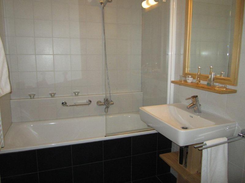 Main bathroom w.c