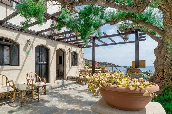 CORAL ROOMS  ON THE BEACH, location de vacances à Zakros