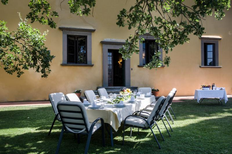 Villa La Querce, elegant property with private pool and winery, holiday rental in Impruneta
