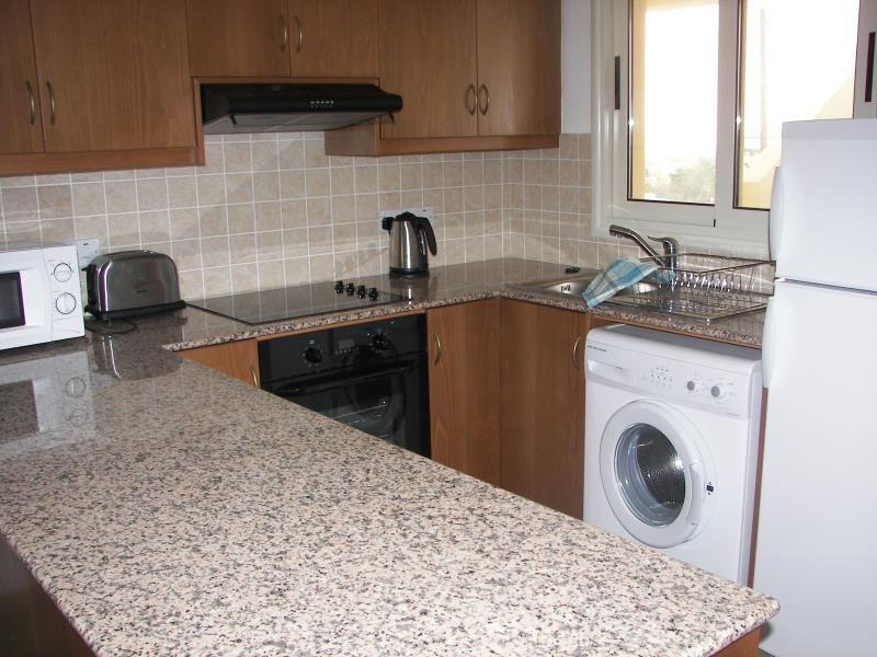 Granite topped kitchen