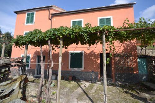 APPARTAMENTO NEL VERDE, vacation rental in Genoa