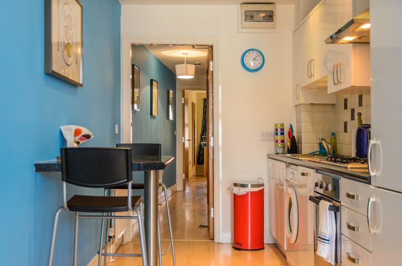 Kitchen 2 bedroom apartment close to Belfast city