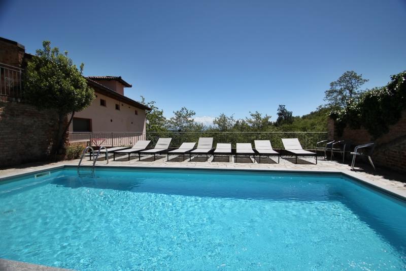 10 x 4 m sized swimming pool