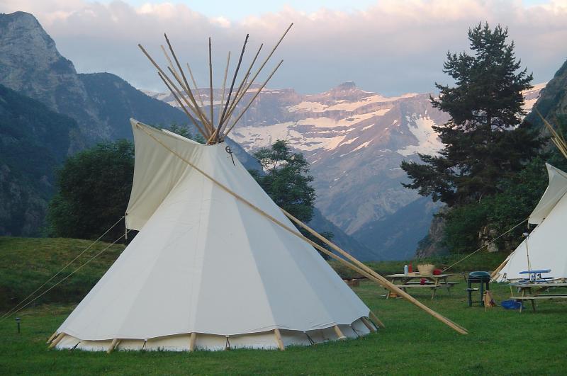 Tipis indiens + bergerie***, vacation rental in Gedre