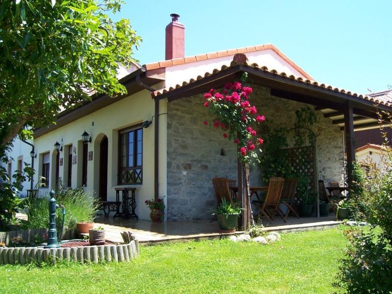 Apartamentos EL CUETO (Abeyu), holiday rental in Valdredo