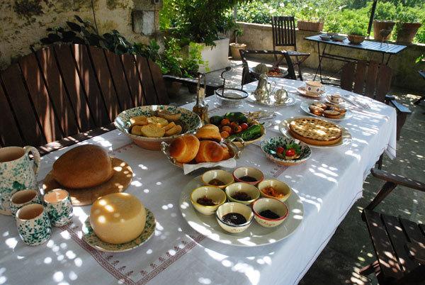 It's time to breakfast!