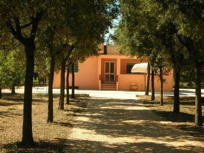 Villa in campagna a 12 km dal mare di Metaponto, holiday rental in Marconia