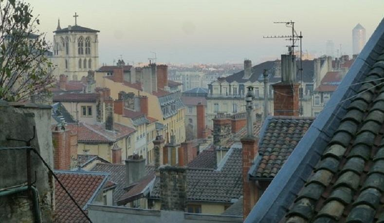 Typical & Charming flat with sight Vieux Lyon, holiday rental in Lyon