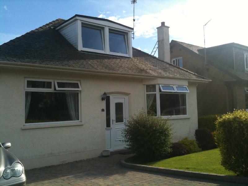 Bungalow, location de vacances à Giffnock