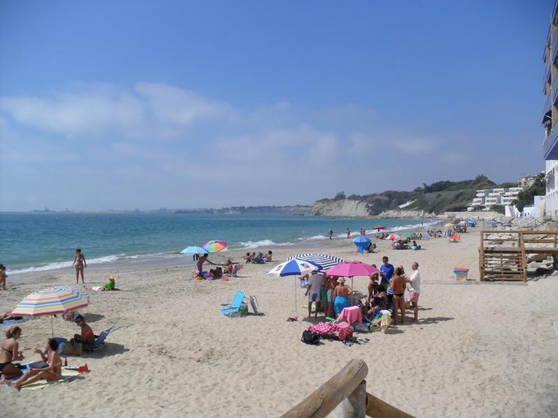 Playa a 40 metros, está unida a Playa Santa Catalina.