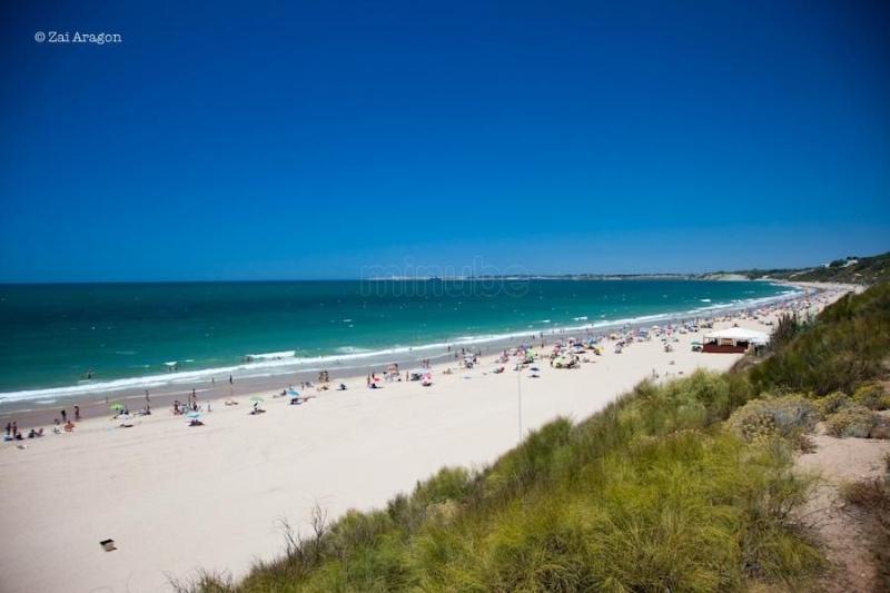 Playa de Santa Catalina a 90 metros, con 7 km de longitud.