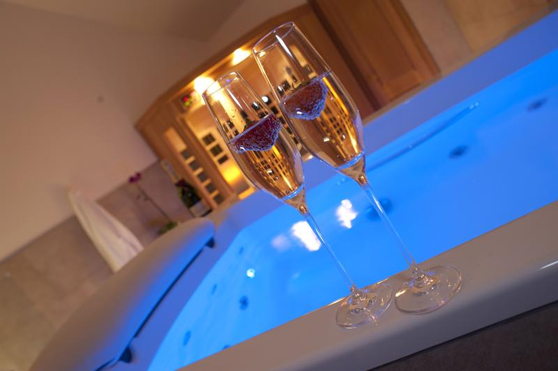 Luxurious private Spa within your lodge to relax & unwind. Just for you and your partner!