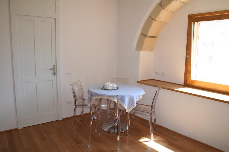 delizioso appartamento, vacation rental in Cagliari