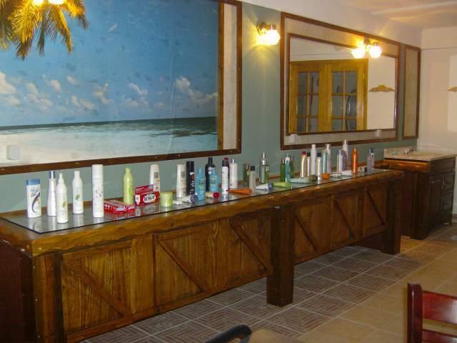 beauty salon at the club spa
