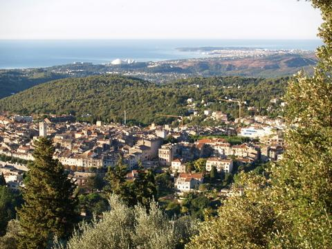 The old town of Vence & sea beyond
