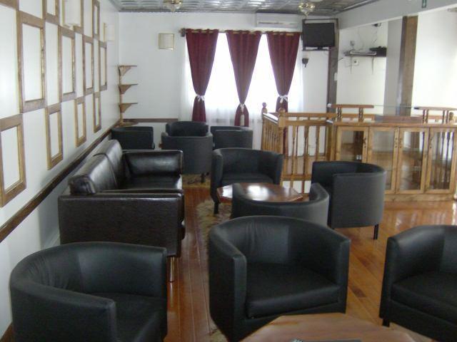 Lounge Club Room