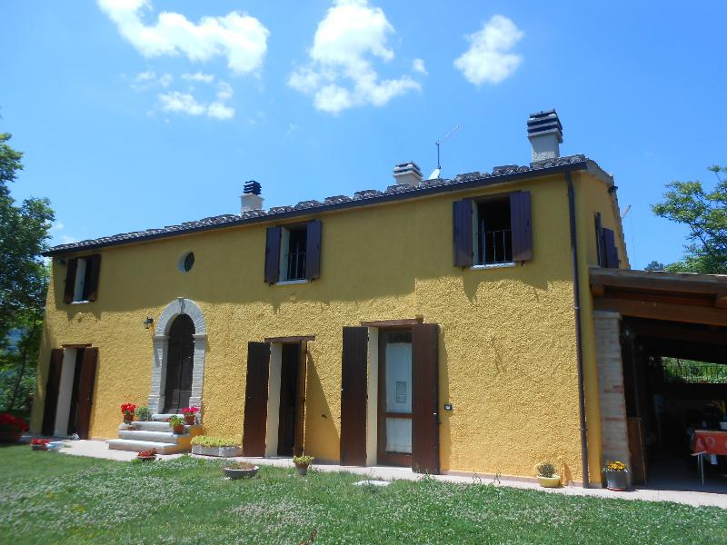 Casale Moncastagna, holiday rental in Fratte Rosa