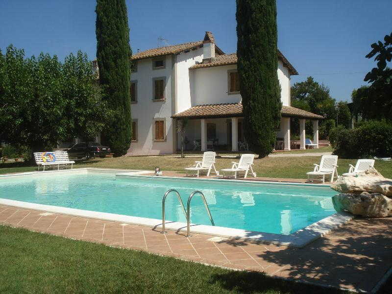 VILLA SANTANGELO GREEN UMBRIA  WONDERFUL HOLIDAYS, holiday rental in Terni