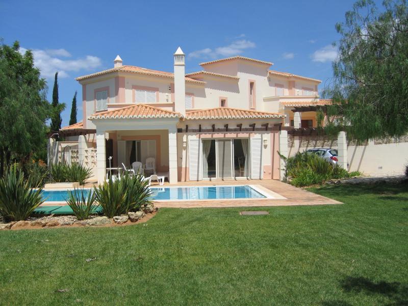 Casa Amarillis
