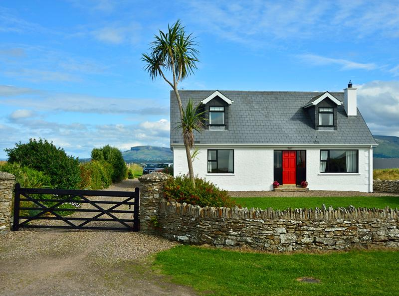 Mullaghmore Cottage with wonderful sea views