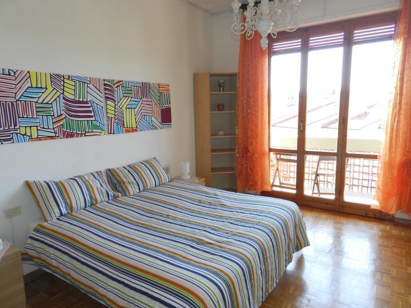 Camera 1, può ospitare un letto matrimoniale o 3 singoli su richiesta