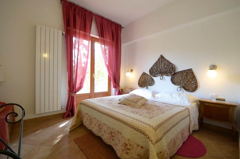 Villa Ettorina •  Appartamento Il Tramonto • Poggio Mirteto, alquiler vacacional en Castelnuovo di Farfa