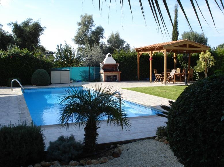 Large private pool with large steps at the shallow end.