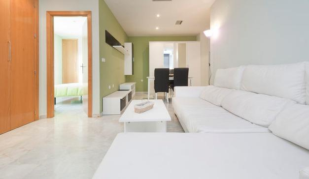 Moderno Apartamento con WIFI 1, holiday rental in Granada