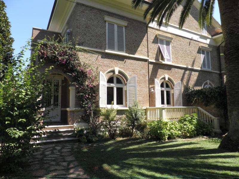 Villa with character and garden, vacation rental in Malandrone