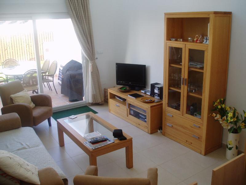 Sala mostrando TV ecc
