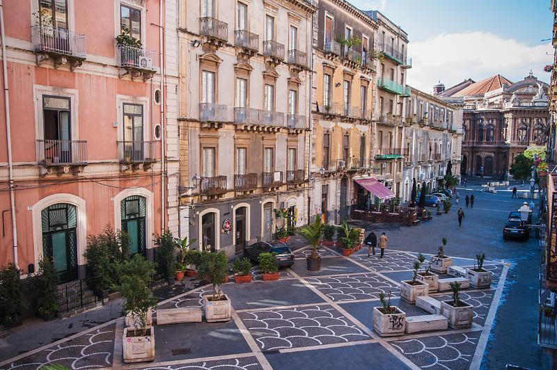 Appartamenti esterni - ingresso via Teatro Massimo