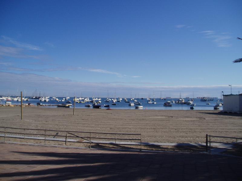 Locale spiaggia affacciata al mare