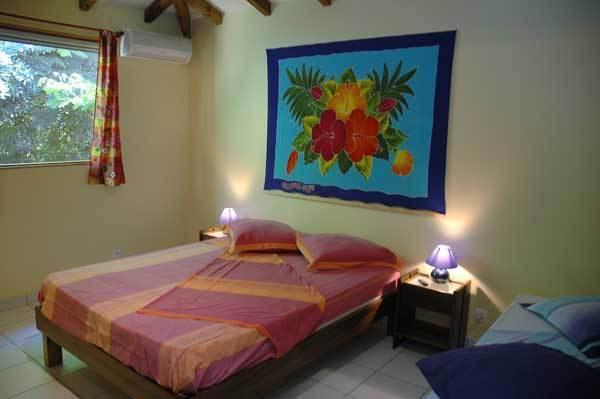bungalow Tamarin 4/5 pax chambre 1 (clim/TV )
