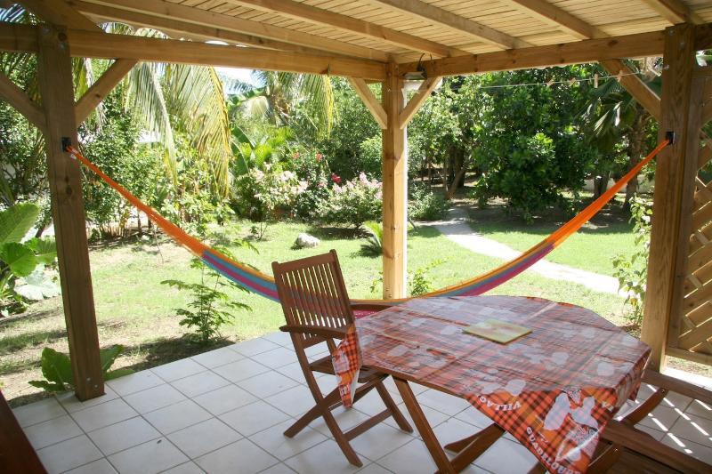 la terrazza di bungalow Kannel Pom