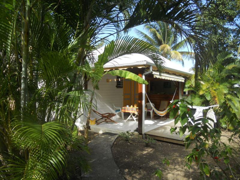 la terrazza di bungalow di anacardi