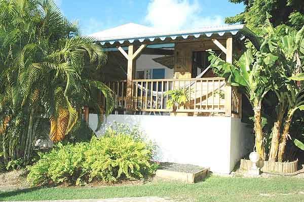 Vista giardino bungalow carambola