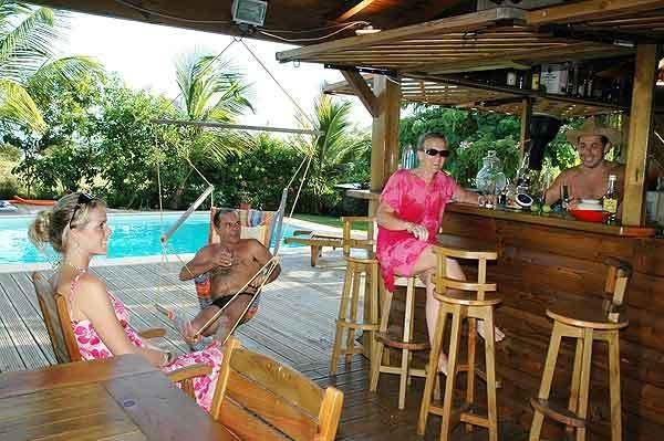Pool front CARBET conviviale