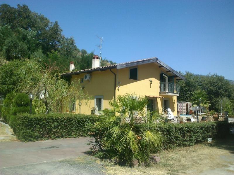 Villa Contura, holiday rental in Venetico