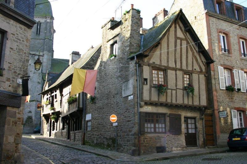 Dinan Accommodation Gite - House
