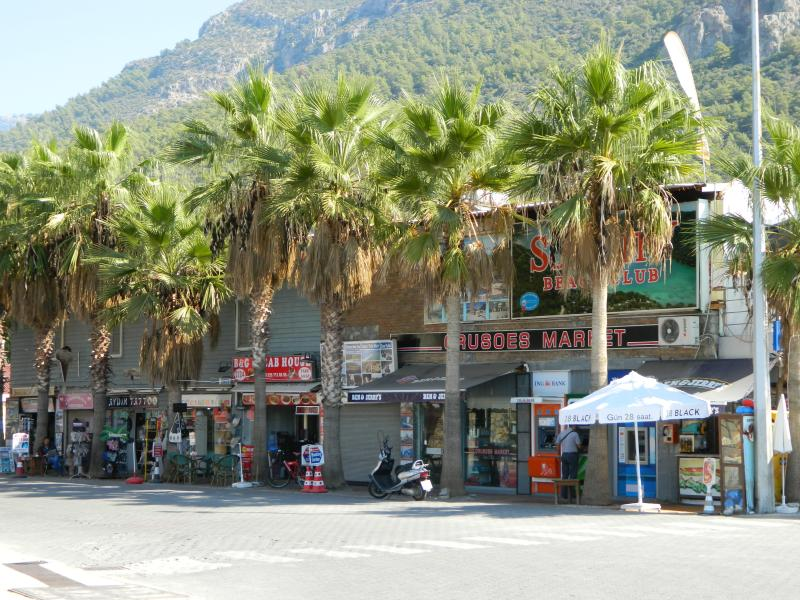 The palm tree clad streets - with so many shops/restaurants to choose from