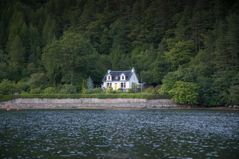 Inverlounin House
