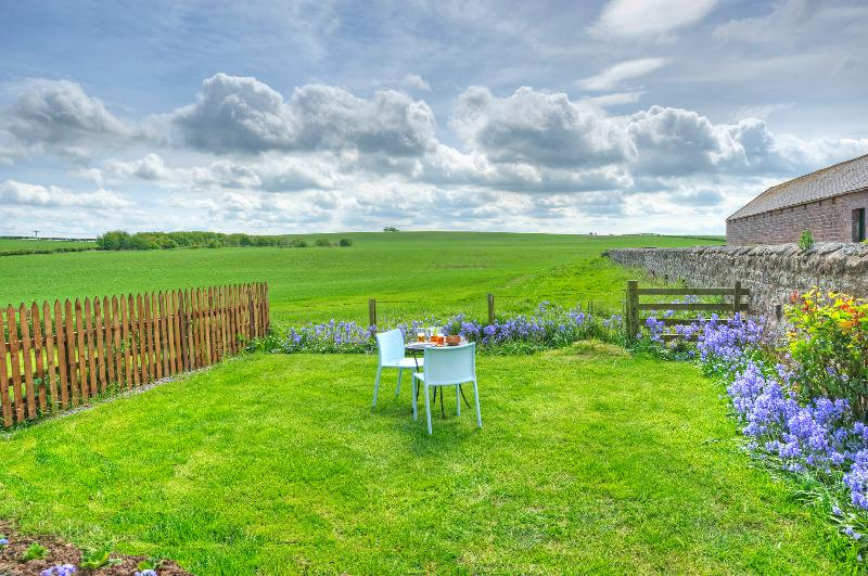 Linnet Cottage, quiet farm cottage outside Berwick-upon-Tweed, Northumberland, casa vacanza a Paxton