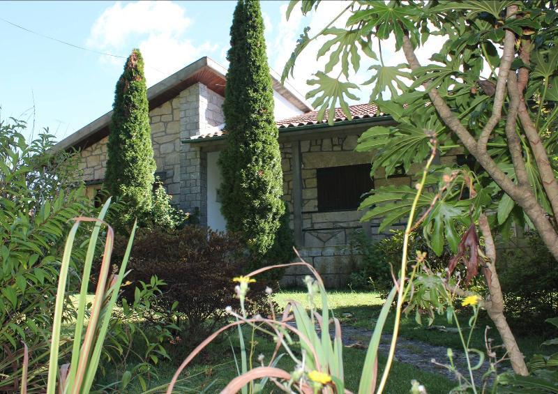 vivenda  Santigoso gerês Nº.R.38724/AL, holiday rental in Serta