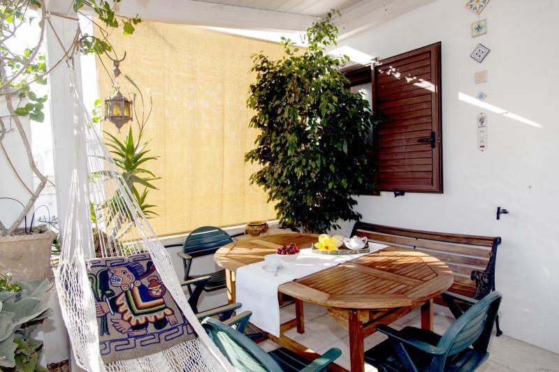 La terrasse/le petit déjeuner en terrasse