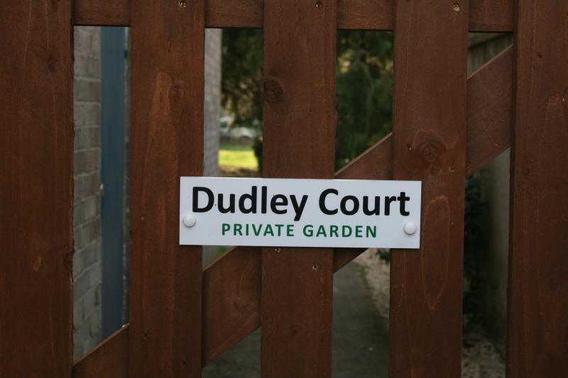 Dudley Court private garden - side entrance