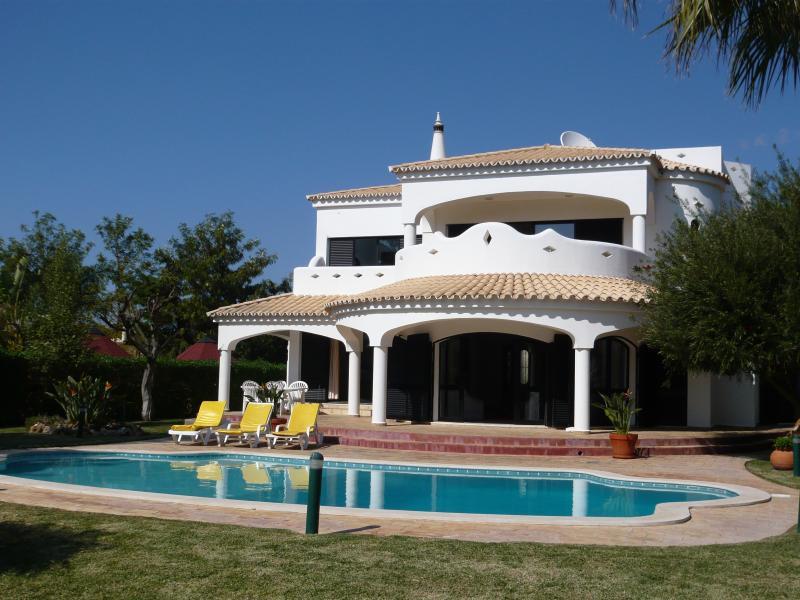 Villa Nuala, holiday rental in Vilamoura