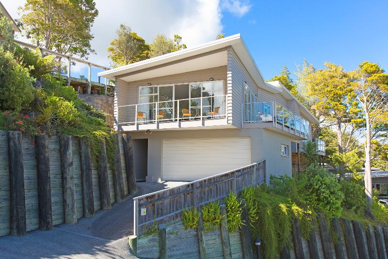 Sunny Spacious Seaview Stunner, location de vacances à Paihia