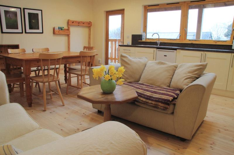Robin's Perch - The largest living area in the Eco Lodge
