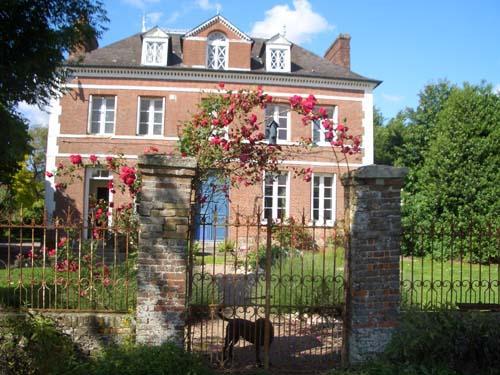 Les Hortensias rear garden